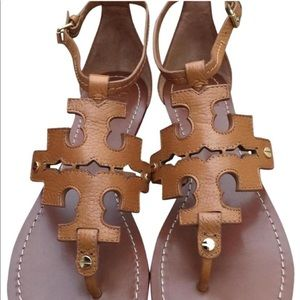 NWOT Phoebe Flat Tory Burch sandals!! Size 7!